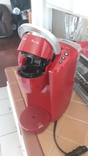 Keurig K-Compact single serve K-cup Pod Coffee Maker Imperial Red for Sale in Colton, CA