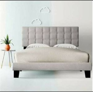 Cynthia Upholstered King Size Bed for Sale in Mentor, OH