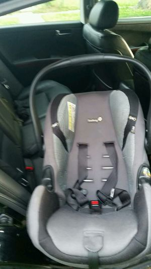 Safety first infant car seat for Sale in Adelphi, MD