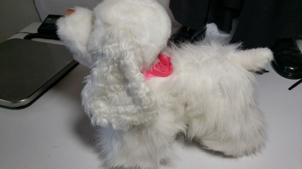 White Hasbro FurReal Friends GOGO MY WALKIN' PUP with out Leash Handle Controller |