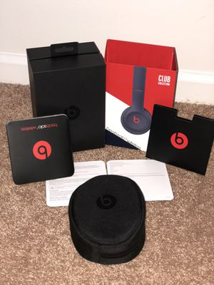 BRAND NEW BEATS SOLO 3 CLUB EDITION BOX AND PAPER WORK WITH CASE ONLY for Sale in Kernersville, NC
