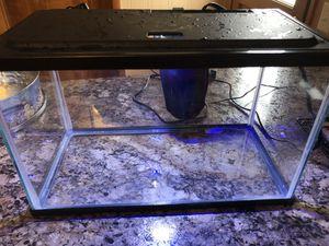 5 Gallon Aquarium glofish for Sale in Lima, OH