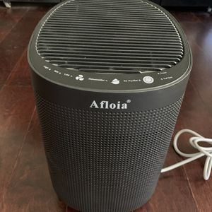 Air Purifier with Dehumidifier for Sale in Whittier, CA