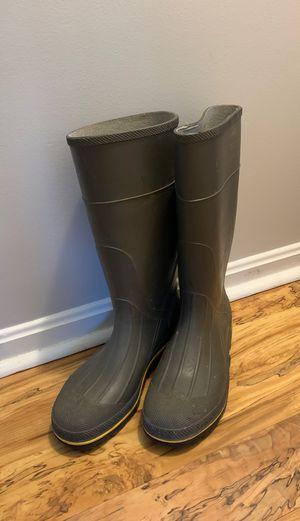 Women's sz 10 rain boots for Sale in Avon, OH