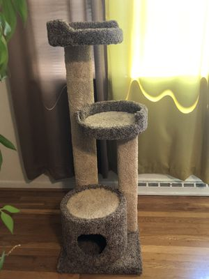 Cat Perch for Sale in Waldorf, MD