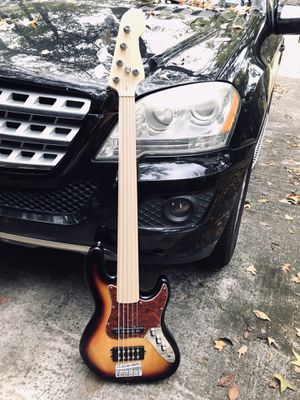 Fretless 5 string bass guitar for Sale in Spring, TX