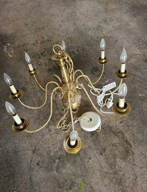 8 light Chandelier for Sale in Las Vegas, NV