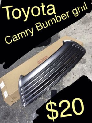 New 2017 Toyota Camry bumper grill for Sale in Ontario, CA