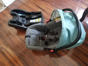 Car seat Graco nuevo for Sale in Detroit, MI