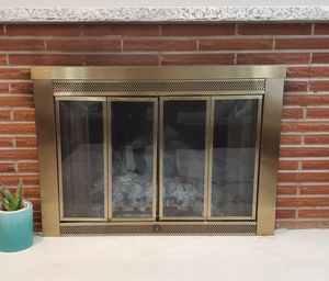 Fireplace cover in very good condition. Pick up in Bellevue. for Sale in Bellevue, WA