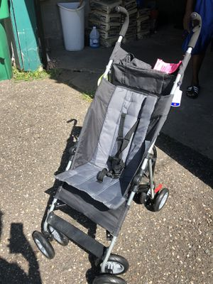 Baby stroller for Sale in Minneapolis, MN