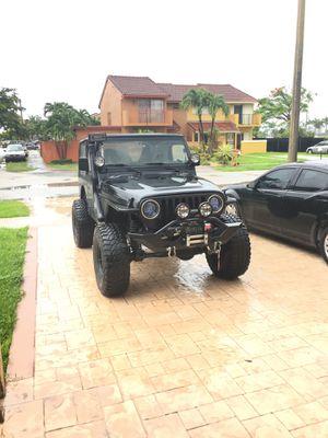 Jeep Wrangler TJ FRONT BUMPER for Sale in Miami, FL
