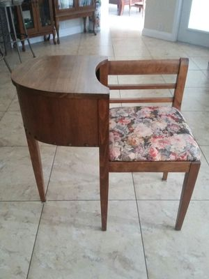 Antique Gossip Seat & Table 1960's for Sale in PT CHARLOTTE, FL
