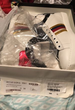 Gucci women sneakers size 7 brand new in box for Sale in Washington, DC