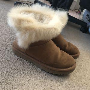 UGG Milla Winter Boots Women for Sale in Pittsburgh, PA