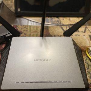 NETGEAR Nighthawk AC1750 Smart WiFI Router Model: R6700 for Sale in Los Angeles, CA