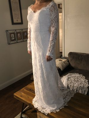 Wedding dress **NEVER WORN (Size 4) for Sale in Victoria, TX
