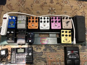 Guitar pedals, pedalboard and effects for Sale in Long Beach, CA