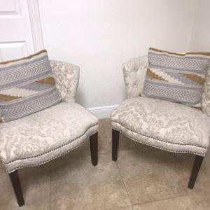 Chairs / Lindas Par De Sillas for Sale in Fort Lauderdale, FL