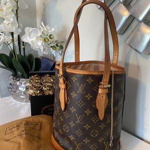 LV Petit Bucket Bag for Sale in Alpine, NJ