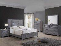 Bedroom set Queen bed +Nightstand +Dresser +Mirror for Sale in Downey, CA