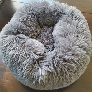 Plush Cat or Dog Bed for Sale in Lake Elsinore, CA