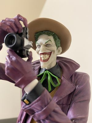 The Joker Statue DC Collectibles for Sale in Elizabeth, NJ