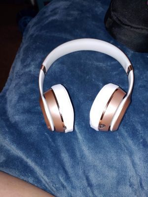 Beats solo 3 like new for Sale in Chesapeake, VA