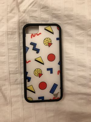 Emma chamberlain wild flower case for Sale in Auburn, WA