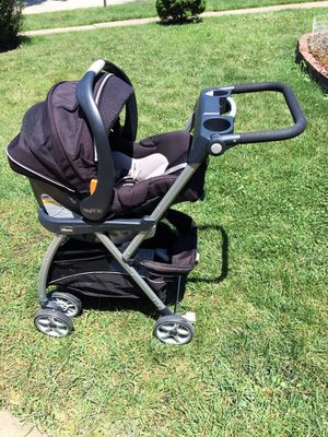 Chicco car seat , stroller & base for Sale in Bolingbrook, IL