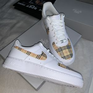 Burberry Air Force 1 Customs for Sale in Pico Rivera, CA