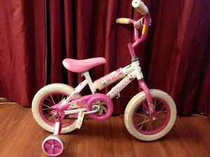 Magna Girls Toddler Bike With Training Wheels In Good Condition!! Ready To Ride for Sale in Tampa, FL
