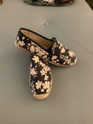 Michael Kors Floral shoes for Sale in Indio, CA