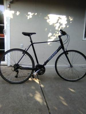 Giant bike for Sale in Hercules, CA