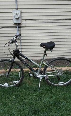 Mountain Bike (Trek Navigator 100) for Sale in Chicago, IL