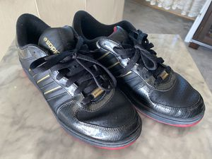 Adidas Black and Gold w/ Red Sole for Sale in Seattle, WA