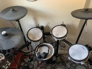 Roland electronic drum kit for Sale in Pomona, CA