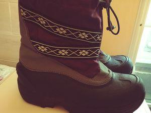 Girls warm n cozy snow boots for Sale in Hoquiam, WA