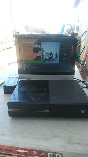 X box one .No controlleres. for Sale in Phoenix, AZ