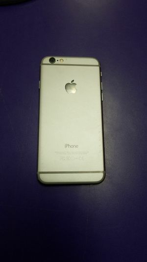 IPhone 6 32gb Locked to Total Wireless for Sale in Wenatchee, WA