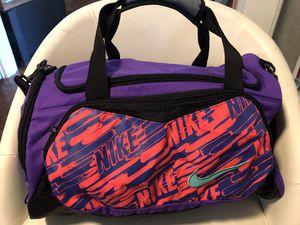 Nike duffle bag for Sale in Sacramento, CA