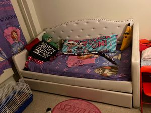 Princess bedroom set for Sale in The Bronx, NY