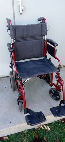 """Ultralight weight.. Wheelchair. 18"""" for Sale in Santa Ana,  CA"""
