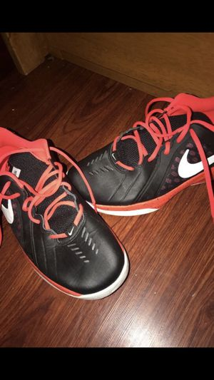 Men Nike running shoes for Sale in Auburn, WA