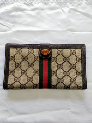 GUCCI ★ TRI FOLD WALLET • BROWN LEATHER • GREAT CONDITION for Sale in SeaTac, WA