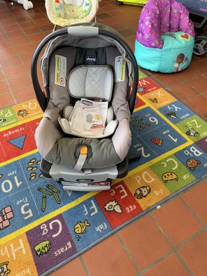 Chicco Infant car seat Car seat (Beige/gray) $50 firm!! Great condition for Sale in Lexington, NC