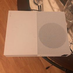 Xbox One S 1TB for Sale in Bellevue,  WA