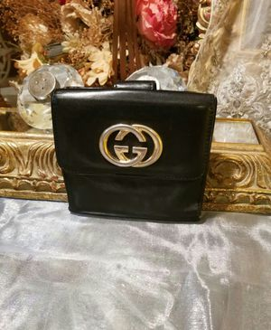Authentic Gucci W hook lenght purse for Sale in Houston, TX