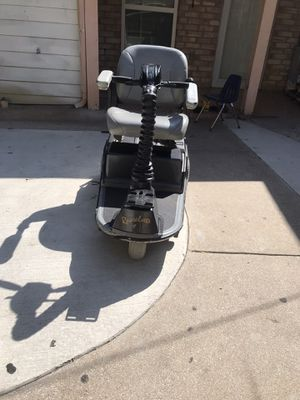 Scooter eléctrico trabaja muy bien si kiere lo puede calar $400 for Sale in Dallas, TX