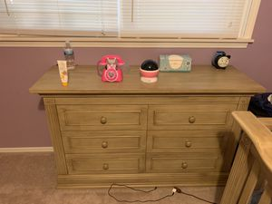 Crib and Dresser for Sale in Dearborn Heights, MI